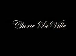 زوجة شيري ديفيل تقاسم زوجته وصاحب الديك الجيد