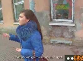 تتمتع الفتاة التشيكية الحلوة داني جنسن بممارسة الجنس مع مجموعات من الزملاء