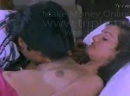 تشوهات أنثى سريلانكية أمام الكاميرا