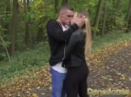 مثير فاتنة الروسية هايدي اللعب مع بوسها الرطب