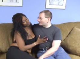 الحمار الزوجة وكبير الثدي عندما حرض. أنجلينا كاسترو