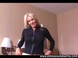 إيما ستار ركوب الديك الثابت مثل العاهرة!