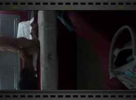 الموز و ليلى في المنزل على السرير مارس الجنس