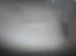 شقراء الساخنة إيلا هيوز تريد الحصول على بوسها قصفت بجد من مجموعة كريستال السوداء
