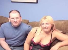 اشترت الجبهة زوجًا إضافيًا من سراويل داخلية لصديقتها