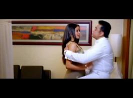 الممثلة الهندية الساخنة مكثفة سريعة الإغماء مفاجأة