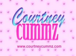 كورتني كومز مثلية الثلاثي مع الشرج دسار وركوب الديك وابتلاع
