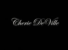 ذهب شيري ديفيل وصديقها إلى ديان ودعاها عاشق أصغر بكثير للحصول على جلسة مثليه