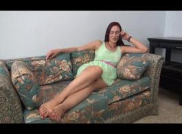 سيدة شقراء الساخنة مع الألغازية، جينا بريسلي يحب ممارسة الجنس الشرجي وكذلك لامتصاص ديك