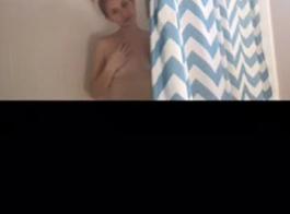 الجنس في سن المراهقة الاستحمام في الحمام