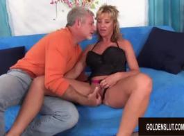 امرأة شقراء ناضجة مع حمار كبير، جولة، كان كارما ريفز ممارسة الجنس مع ابنها خطوة