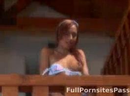 سأل فاتنة ضئيلة صديقها الأسود السابقين بالتوقف عن طريق ويمارس الجنس مع أدمغتها القذرة