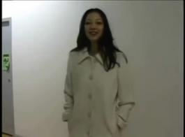 حار الآسيوية في الملابس الداخلية الساتان