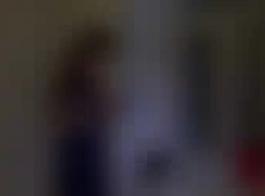 امرأة سمراء في سن المراهقة الروسية تلعب مع ديك ضخمة في أسلوب بوف وتأمر بينما كومينغ