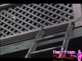 أشرطة فيديو الإدراج الاباحية خمر تصبح أكثر إثارة ومثيرة كما يحصل المشاهدون على قرنية