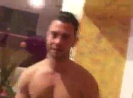 شيا مارس الجنس في غرفة جانبية