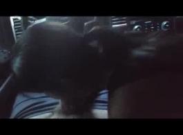 امرأة سمراء مفلس في الأرجواني كاب ريكا كوكس مص كبير ديك مع بوسها ثم مارس الجنس المزدوج في اختراق الشرج المزدوج