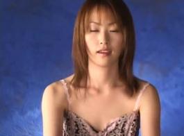 جميلة فاتنة اليابانية تشينايتا الملاعين لها كس مع اللعب السوداء!