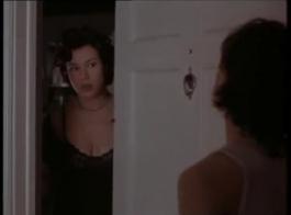 حار، امرأة شقراء مع كبير الثدي، هارت الصيف هو ممارسة الجنس الشرجي، في وقت متأخر بعد الظهر.