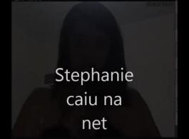 ستيفاني نيكول هو كتكوت شقراء حلو يحب أن يمارس الجنس مع جار وسيم كل يوم.