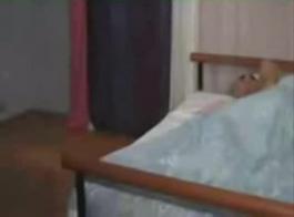 فتاة عربية حلوة مص على وكيل وهمية.