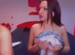 امرأة سمراء الساخنة حصلت على تجربة مص ديكس كبيرة وكان ممارسة الجنس الخام مع جارتها.