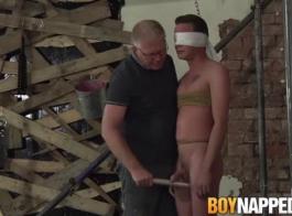 جوردانا جيمس وصديقها الجديد لها ممارسة الجنس بالبخار طوال اليوم، في منزلها.