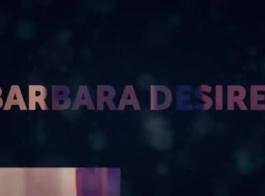 باربرا يرتدي قناع حول وجهها أثناء الصب، للفيديو الإباحية.