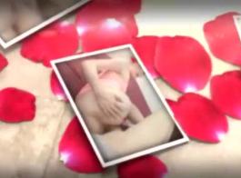 امرأة سمراء في سن المراهقة إصبعها من قبل صديقها قرنية.