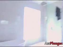أليسا كول ربة منزل بريطانية تحصل على مسمر بعد مص.