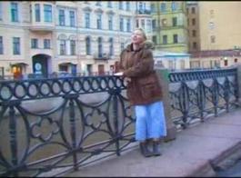 مثير ناضجة الروسية سيدة يعطي اللسان ويحصل على الديك