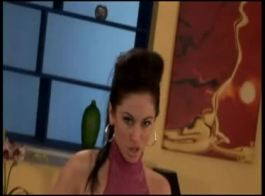 امرأة سمراء الساخنة الملاعين بوسها الرطب