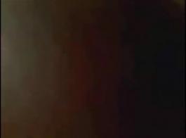 الهندي فتاة يحصل مارس الجنس في فتح لها الحمار باستخدام دسار