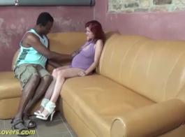 أول فتاة سوداء نحيفة تحصل على الحلق قصفت تحول جنسى بين الأعراق