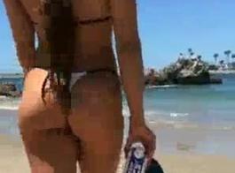 فتاة الغنائم الكبيرة سيندي كروفورد تحب الجنس الشرجي مع قصف الشرج الثابت