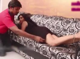 الممثلة الحصول على صدرها قذف المني