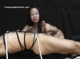 الآسيوية فيمدوم صفعات ضخمة الثدي الزيتية تجريب الفتيات