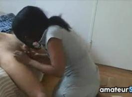 خادمة الأبنوس الساخنة يحصل الشرج النشوة بقصف من قبل رجلها