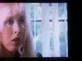 فيلم ستار بليزانت فالي: هواة خنثى الحمار اللعب. المقابلة مقسمة إلى ثلاثية الأبعاد