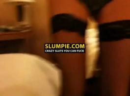 صريح امرأة سمراء الملابس الداخلية عاهرة في الاختبار