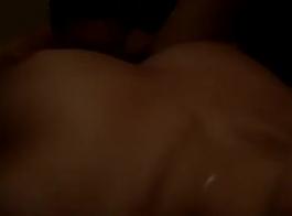 كبير الثدي شقراء في جوارب ركوب الخيل باونبركر الديك