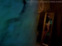 حار امرأة سمراء ديفا مارس الجنس من قبل رجل محظوظ