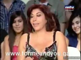 فتاة مسلمة تمتص بافر ويحصل على مارس الجنس من الصعب مع ترجمات إسبانية