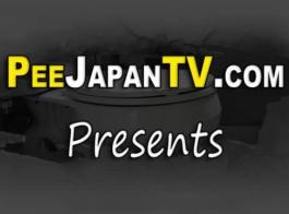 في الهواء الطلق يلعب مدلكة اليابانية مع العملاء