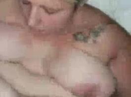 امرأة شقراء الدهون هي سال لعابه على الديك الأسود الكبير، في حين أن زوجها يحاول مشاهدتها