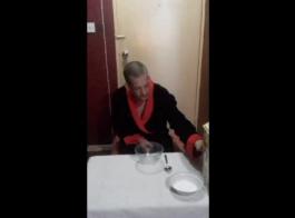 نائب الرئيس في الديك مع الحمار كبير جبهة مورو