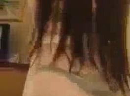 الفتيات الساخنة اثنين المراهقات تستمتع مع صديقهم الأسود نحن يسجل الجزء 4