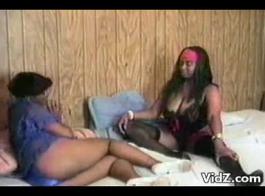 ركوب على ديك أسود البرية نيكول دوغلاس يحصل لها ثقوب مارس الجنس مع فيني الديك الكبير