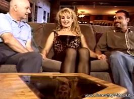 زوجة مقلاع زوجات بركة اللعنة من قبل اثنين من الرجال
